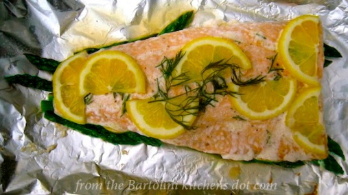Salmon with Dill en Papillote