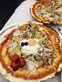 Friday lunch: Pizza Montecarlo - Proof that everything is better with an egg on top.